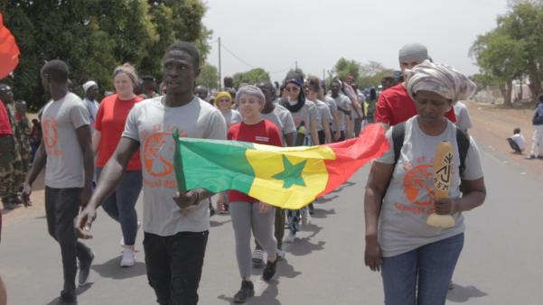outil-pédagogique-fiche-support-de-cours-documentaire-DVD-film-projet-scolaire-volontariat-afrique-échange-et-rencontre-interculturelle