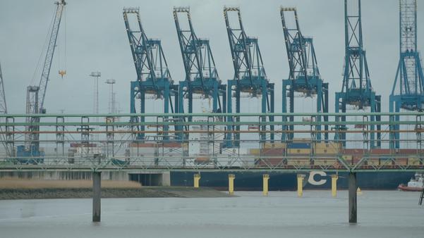outil-pédagogique-fiche-support-de-cours-documentaire-DVD-film-syndicat-transports-routiers-rail-maritime-mondialisation-bruxelles-europe