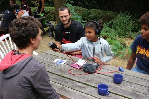 outil-pédagogique-fiche-support-de-cours-documentaire-DVD-film-jeunesse-citoyenneté-travailleur-social-maison-de-jeunes